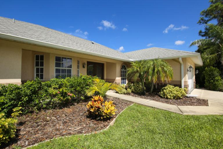 Florida villa exterior